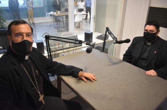 Se inauguró el nuevo estudio de radio en FASTA donde funcionará la FM del  Obispado de Mar del Plata | Punto Noticias de Mar del Plata.